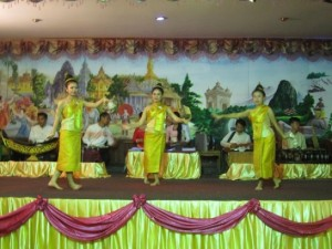 民族舞踊の夕食